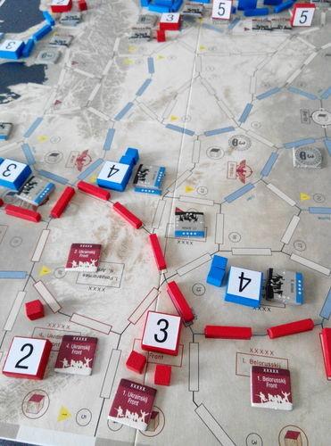 Race To Berlin Un Front Trop Loin on Atomm Table