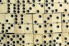 Domino: